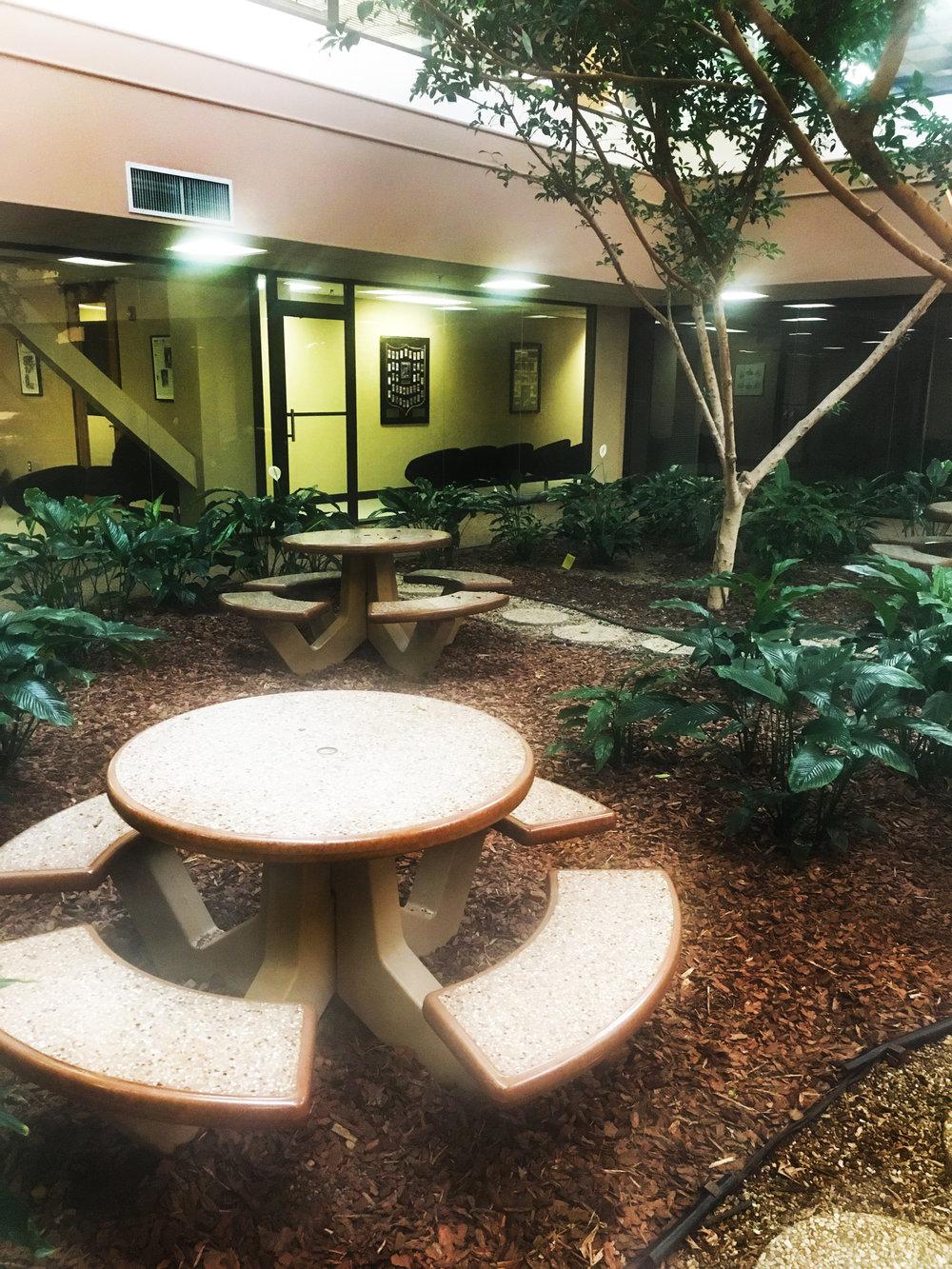 lobby3.jpg