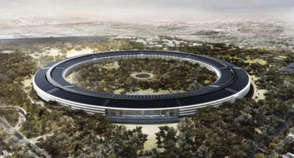 アップル、昨年クパチーノに建設したUFO型の新キャンパス