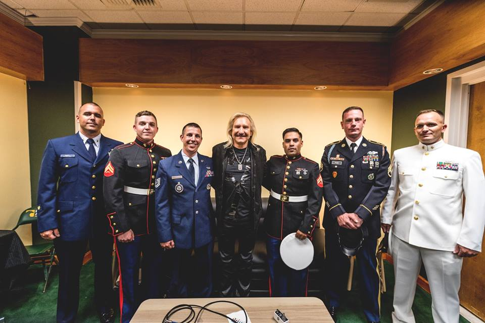 Joe Walsh makes some new friends at VetsAid 2017 (Sept 20, 2017 / EagleBank Arena, Fairfax, VA)