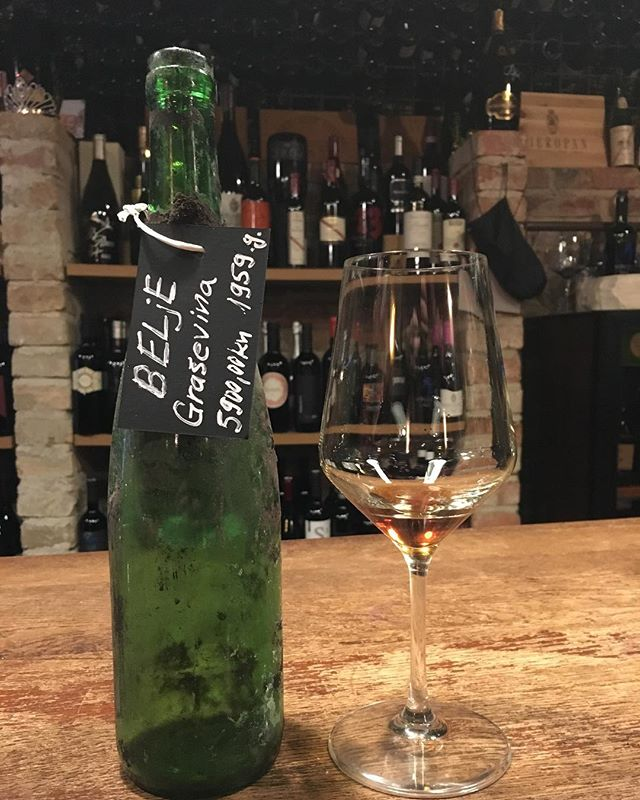 Incredible experience at Bornstein recently - a taste of a 1959 (😱) Graševina. It had fruit, it had acid, it had body, it had complexity. In short, it was amazing. ... ... ... ... #wine #winetasting #winetime #wineknowledge #winebar #croatianwine #graševina #incredible #bucketlist #winetravel #traveldiaries #picoftheday #zagreb #croatia #crostagram #chasingthedonkey #croatiafulloflife #croatianwine #blessed #onceinalifetime