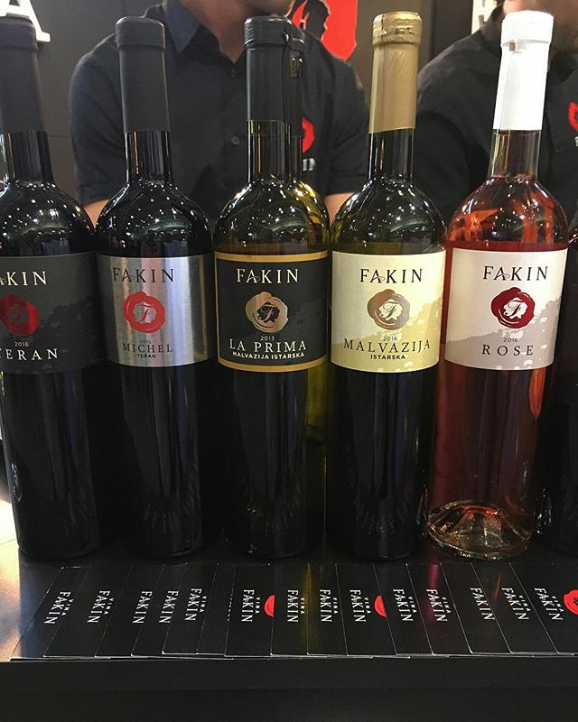 Now these are some fakin good wines! Delicious Austrian wine from Vina Fakin, available in the United States for the very first time! @fakinmarko is putting out an incredible number product that is already earning rave reviews across Europe, and we are so excited to introduce his wines to America! 🍷 🇭🇷 . . . . . #croatianwine #istrianwine #istria #croatia #winetime #wineoclock #winelover #wine🍷 #wineporn #igwine #winetasting