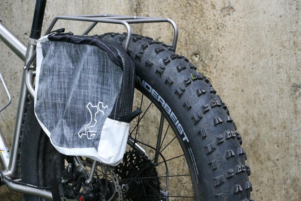TCF-hardware-rack-rear-fatbike-titanium-Seven (11).JPG