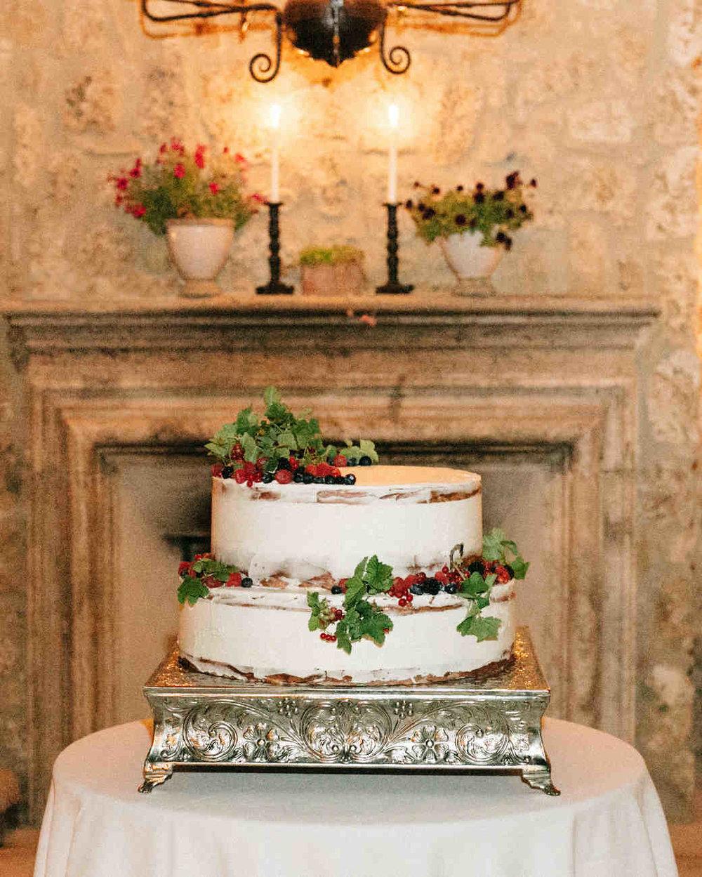 alexis-zach-wedding-italy-cake-438-6419608-1117_vert.jpg