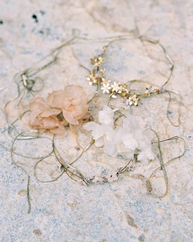 alexis-zach-wedding-italy-crowns-12829_04-6419608-1117_vert.jpg