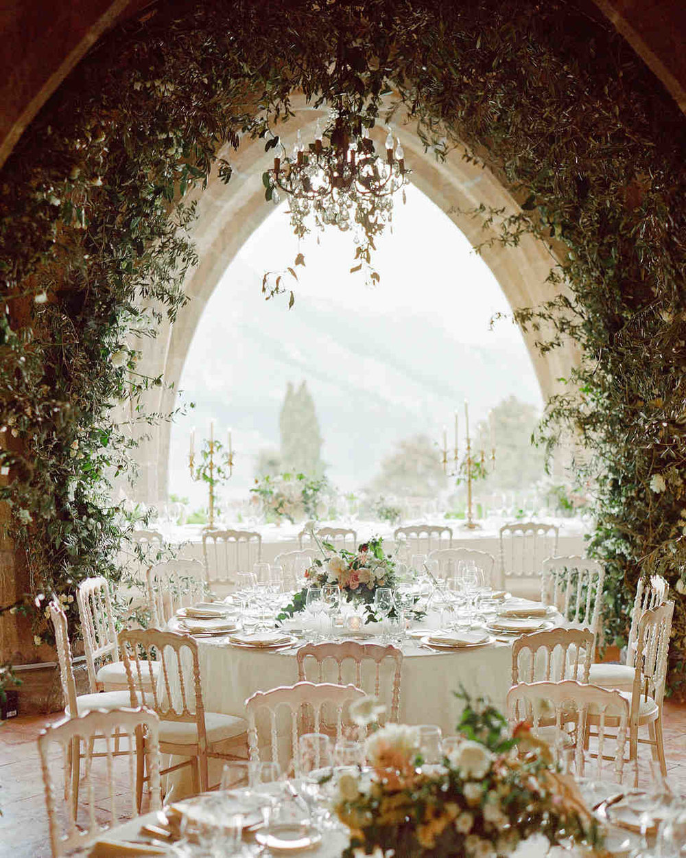 lisa-greg-italy-wedding-reception-table-103312986_vert.jpg