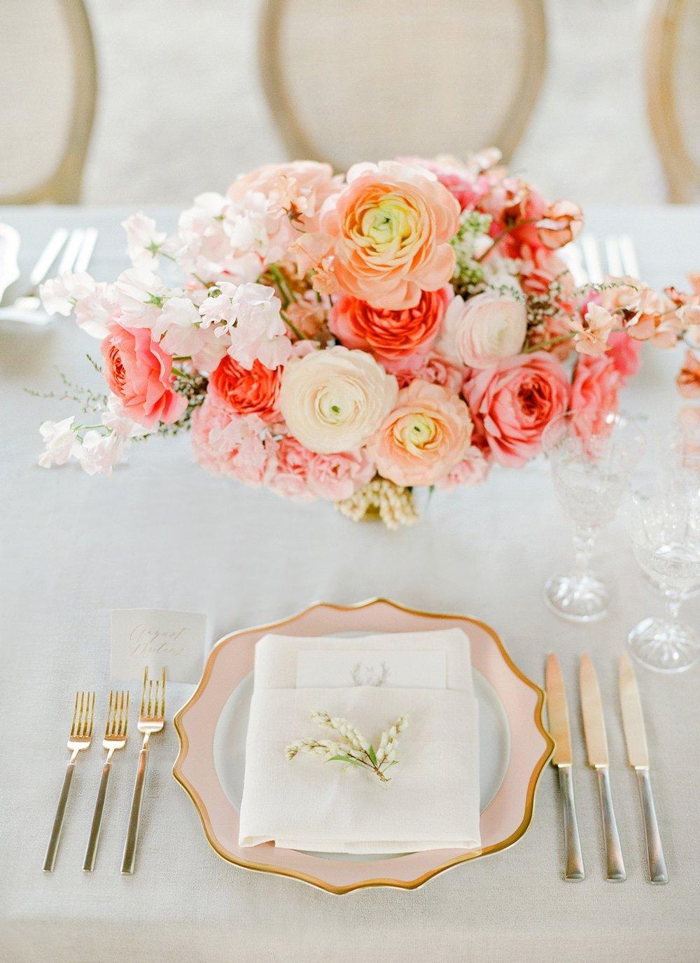 47_casa-de-perrin-pink-plates-weddings.jpg