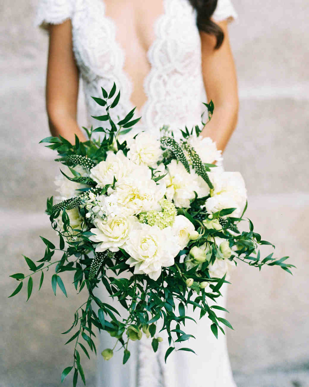 jeannette-taylor-wedding-portugal-bouquet-103118064_vert.jpg