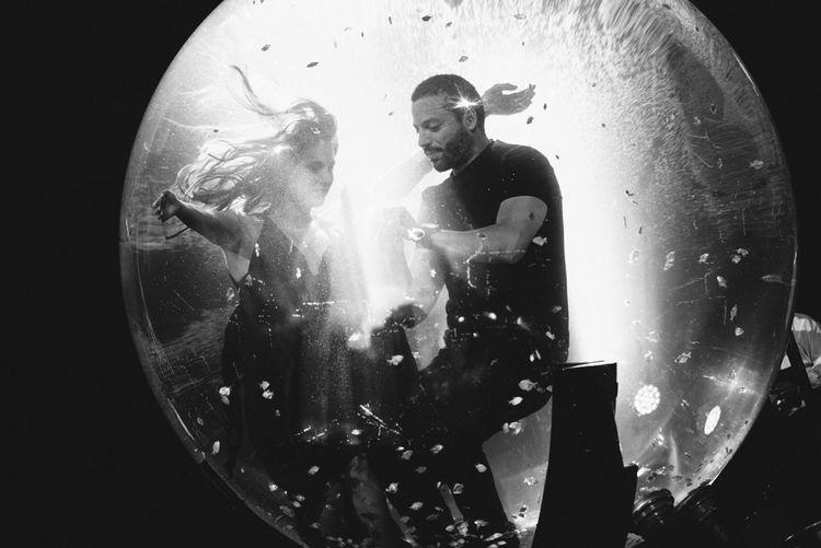world-tour-2014-david-blaine-waterball-girl.jpg