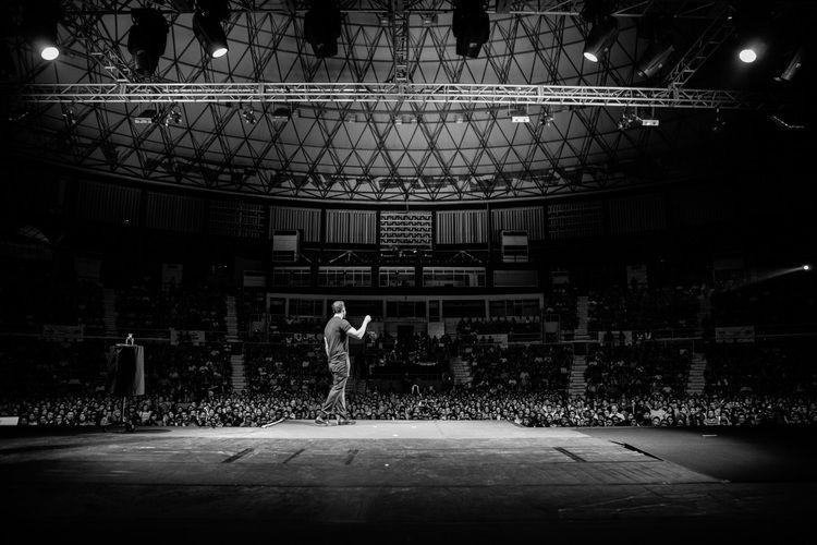 world-tour-2014-david-blaine-andreas-Poupoutsis-stage-1.jpg