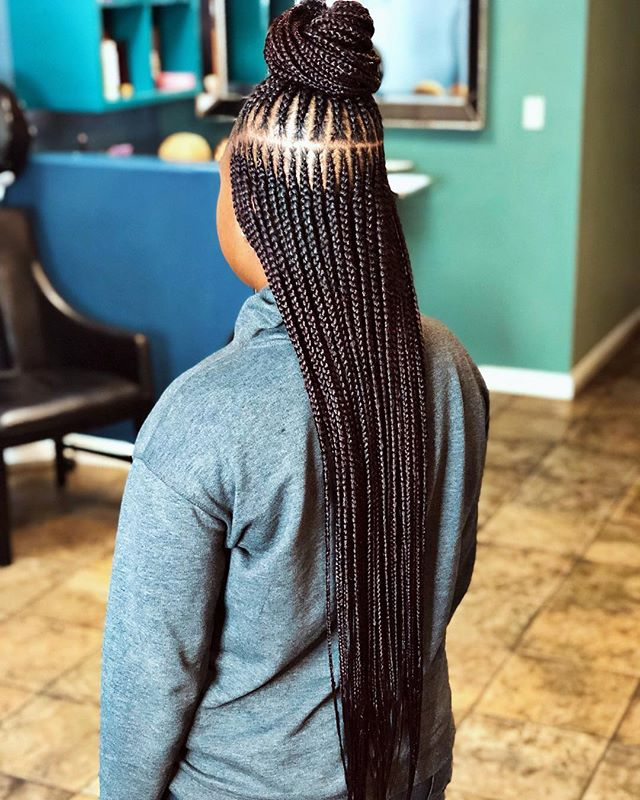 3 Layer Cornrows ❤️😩 I  do it for the picture 😂 . ➖➖➖➖➖➖➖➖➖➖➖➖ Book appointment online | link in bio !  #protectivestyles #boxbraids #lastylist #3layerbraids #pintrest