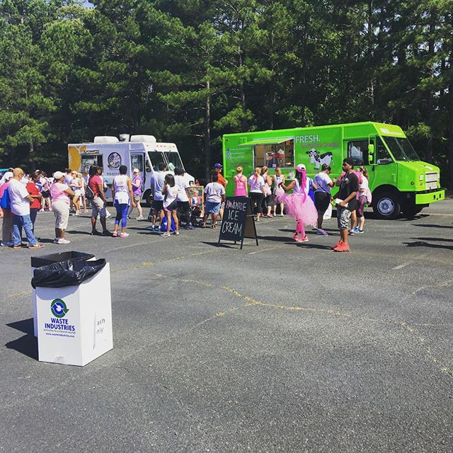 Thank you @susangkomen for having the fresh truck out to your event today! We had an amazing time!! #freshlocalicecream #freshthetruck #susangkomen #raceforthecure2016