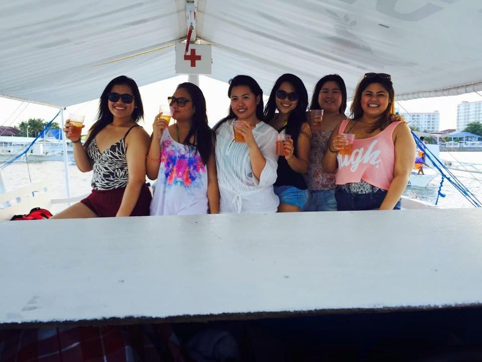 Boating in Cebu, Philippines Drink girlfiends girls