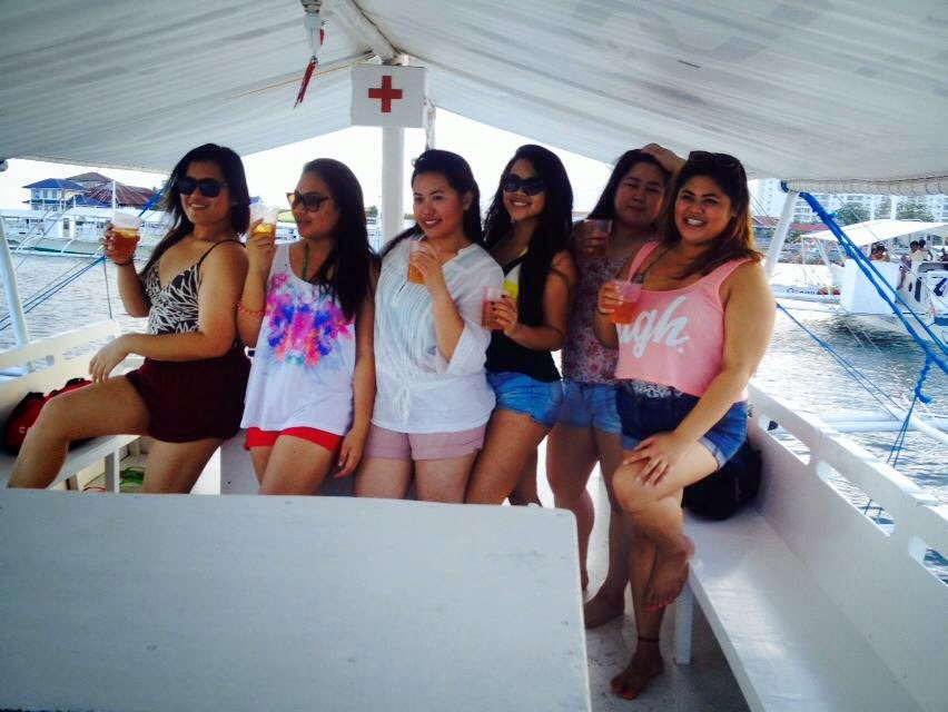 Boating in Cebu, Philippines Drink girlfriends girls