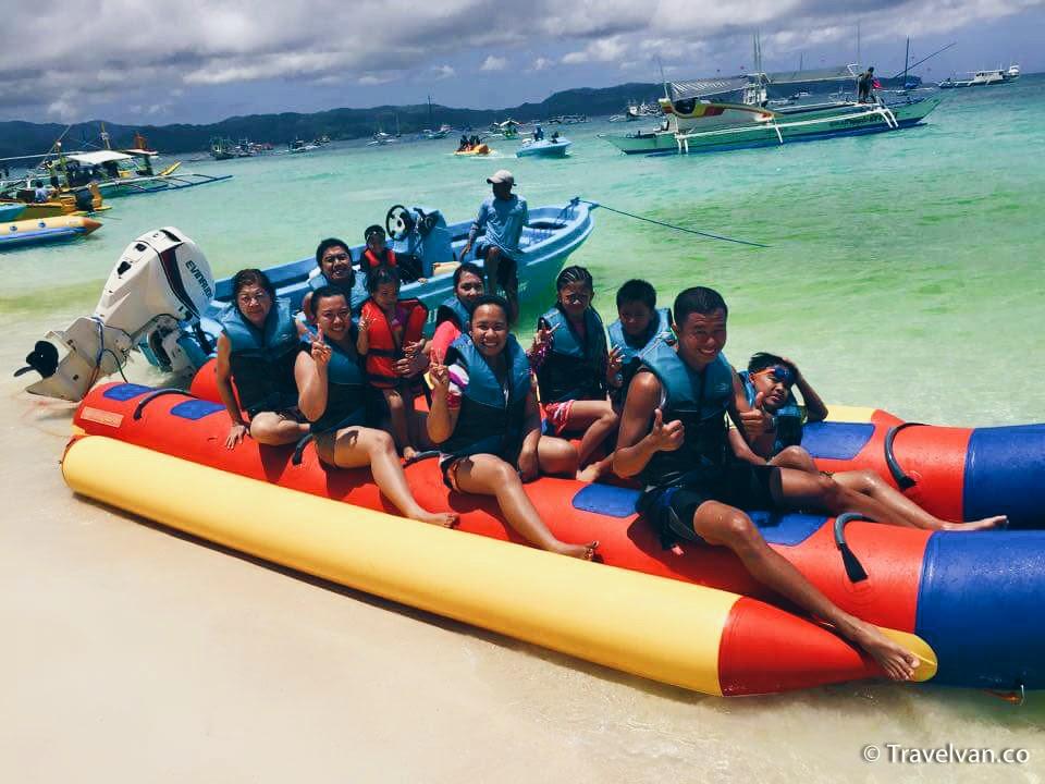 What to do in Boracay! kids braid hair banana boat