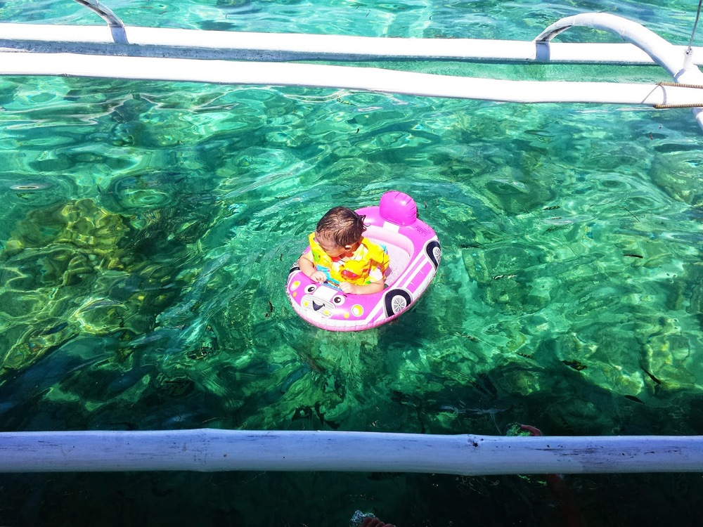 Island Hopping Cebu with toddler