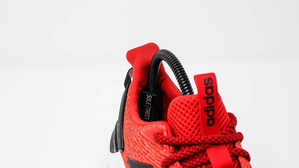 Sneaker Shape Support