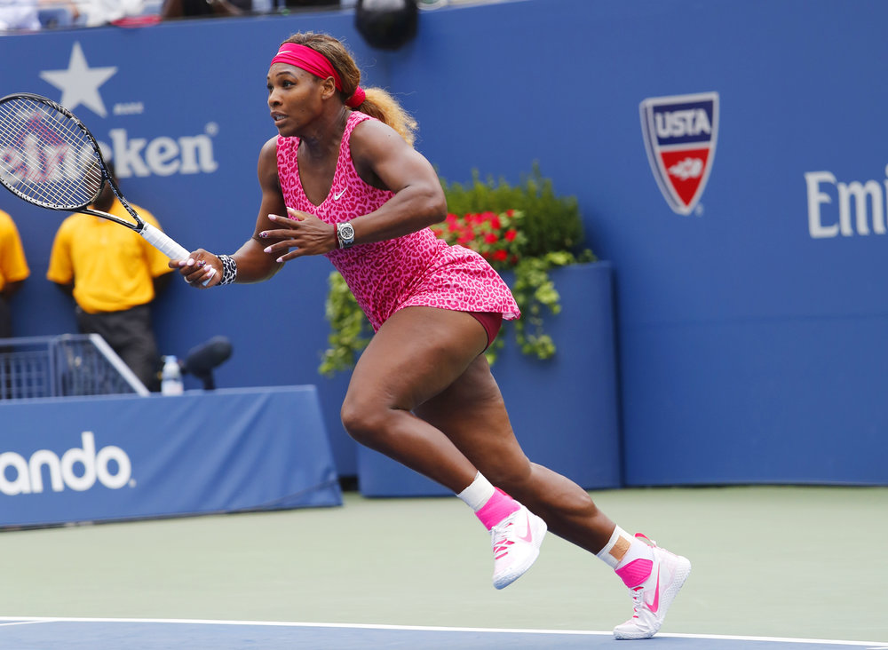 Serena Williams est une des plus grandes athlètes professionnelles sur Terre et elle rock sa cellulite malgré tout! Google