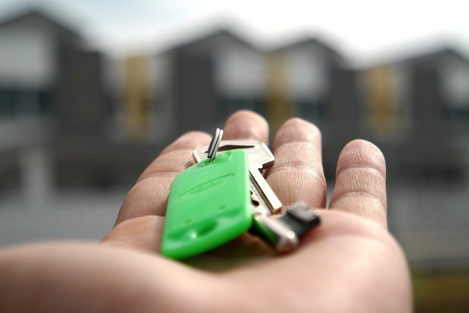 facebook-ads-for-real-estate-leads-keys.jpg