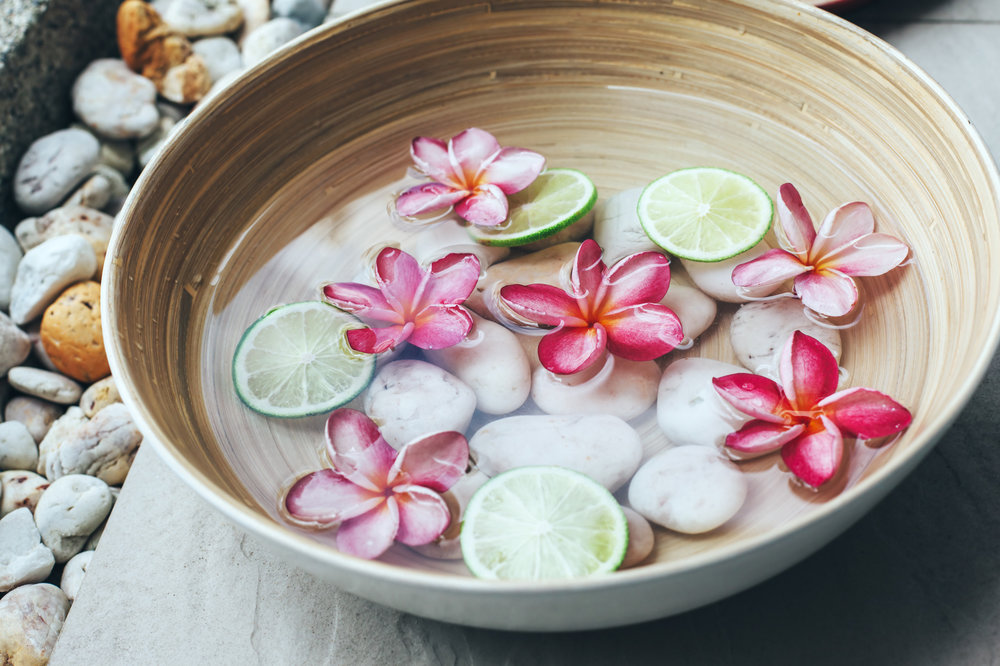 FLOWER MEDICINE: THE HEALING POWER OF FLOWER BATHS AND ESSENCES ...