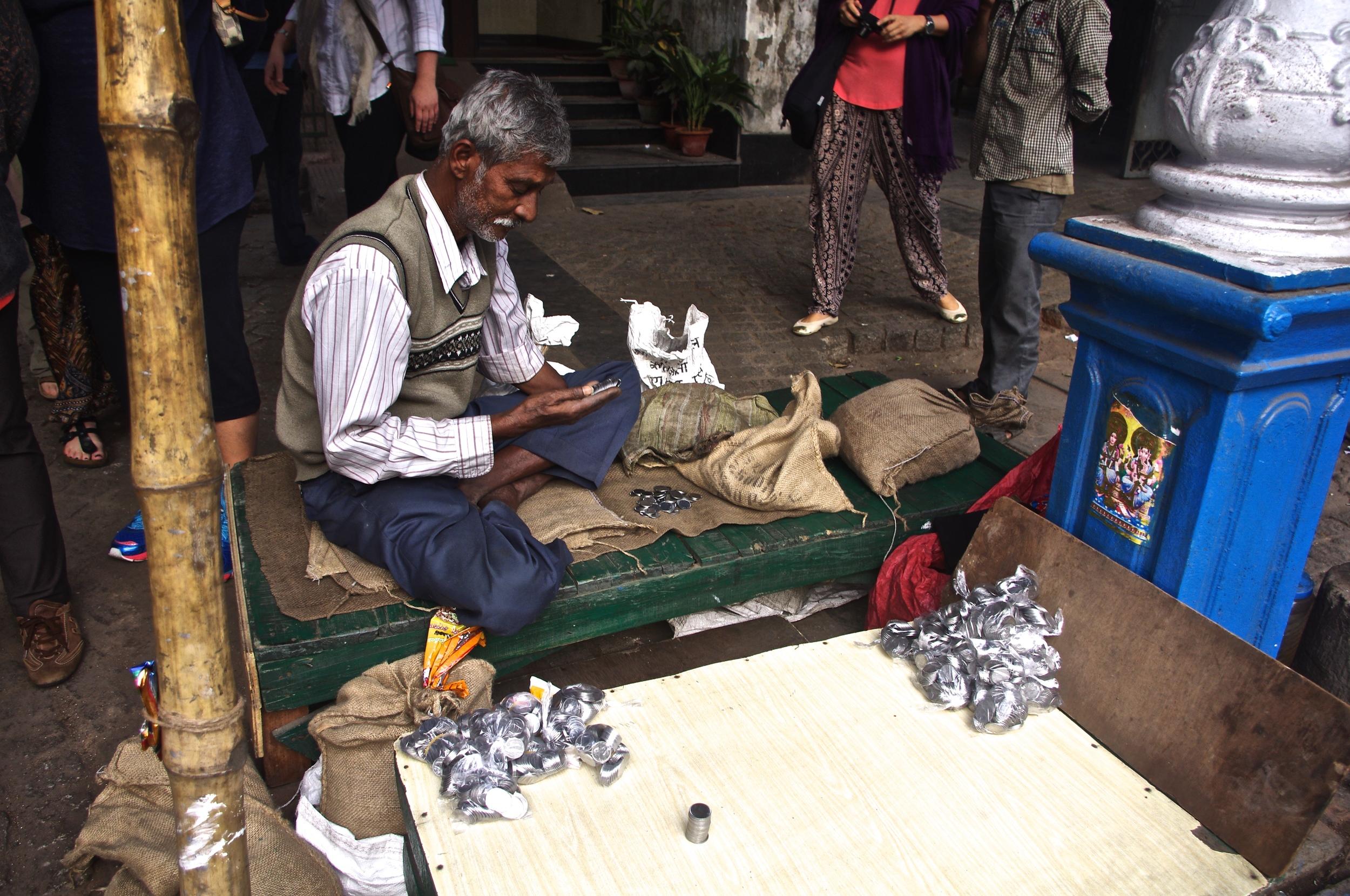 Money changer in Kolkata