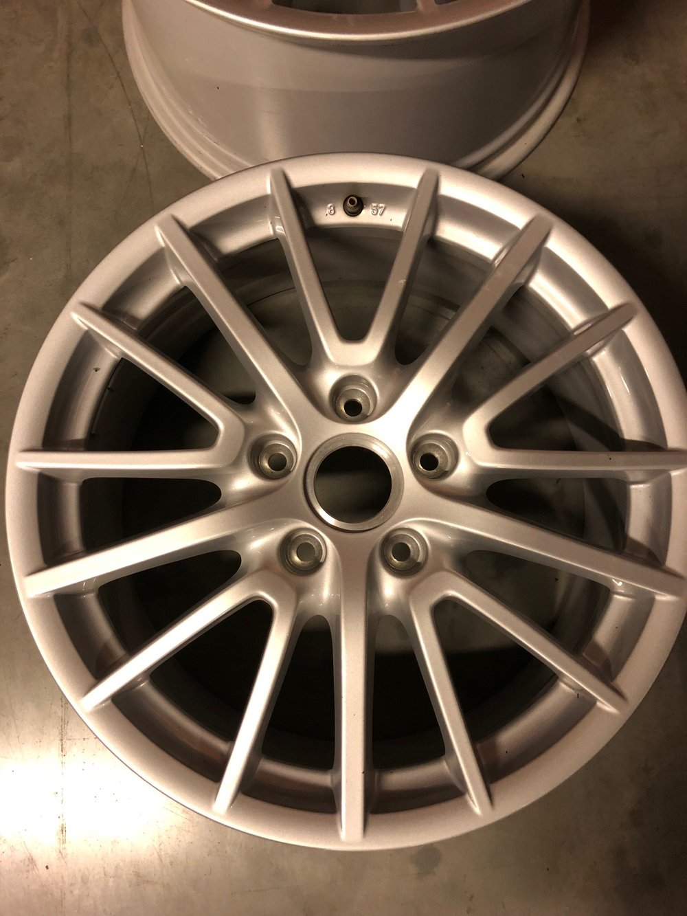 one set 997 carrera 4 wheels (possibility with tyres)