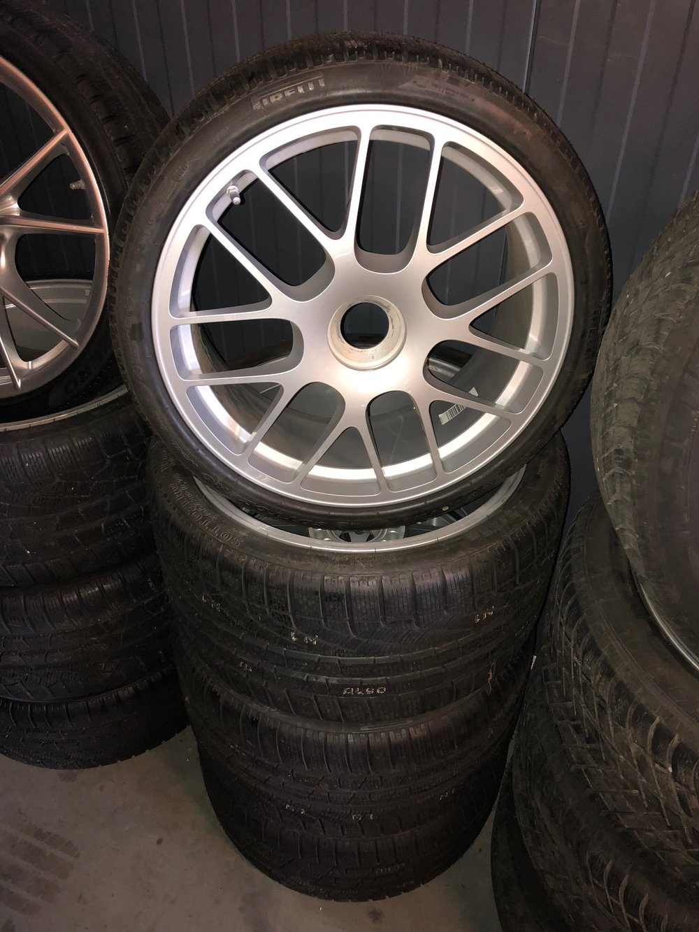new set 997 MK2 turbo S, GT3 RS,GT2, …(with new winter tyres, possibility with summer tyres)