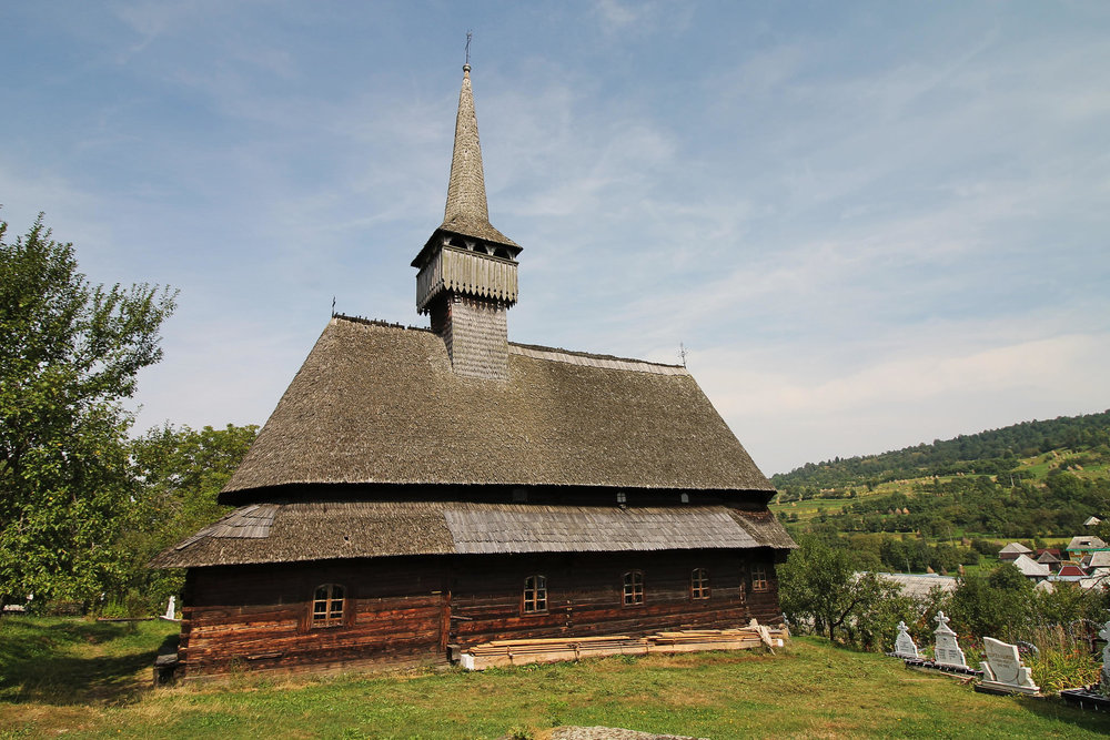 The Budesti Josani Wooden Church (copyright:  creative commons )