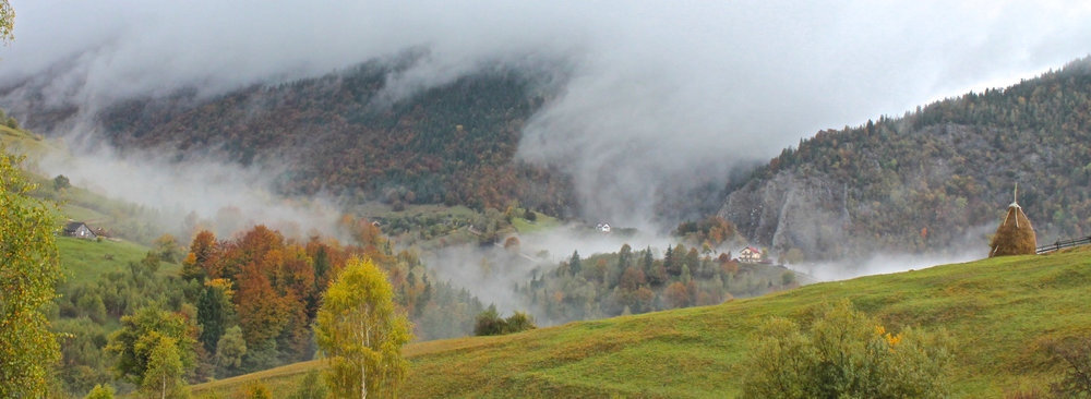 Low cloud washes down into the folds of Piatra Craiului (copyright: Arabella McIntyre-Brown)