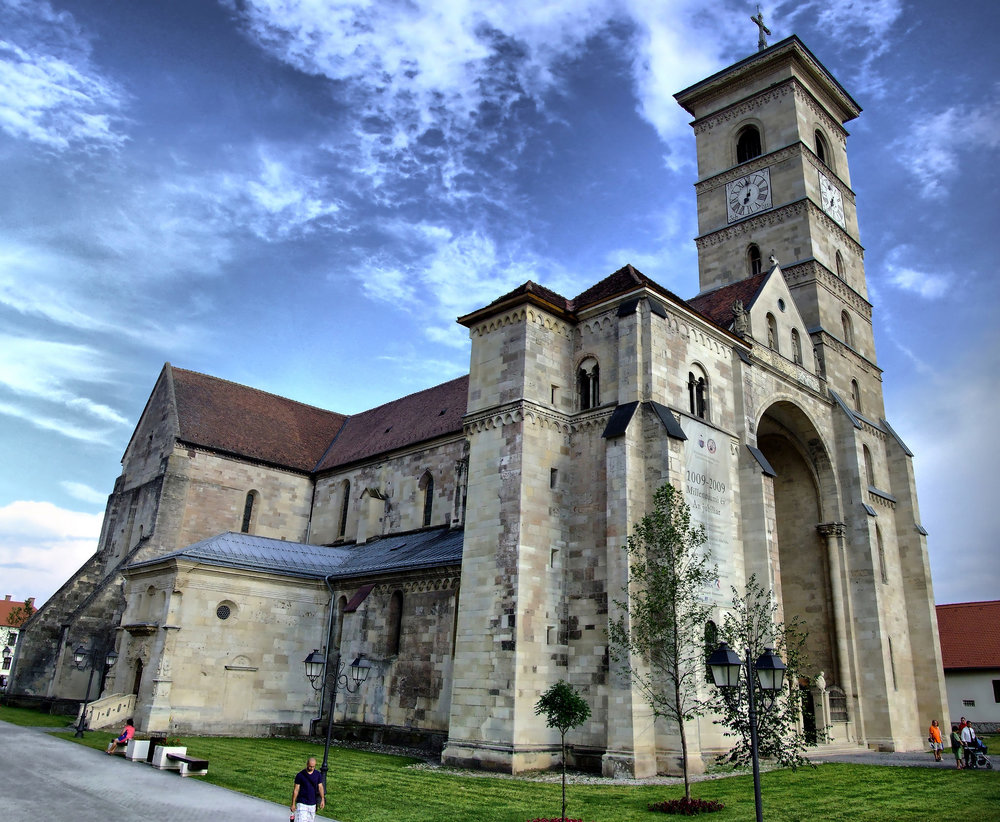 Saint Michael's Cathedral of Alba Iulia (copyright:  creative commons )