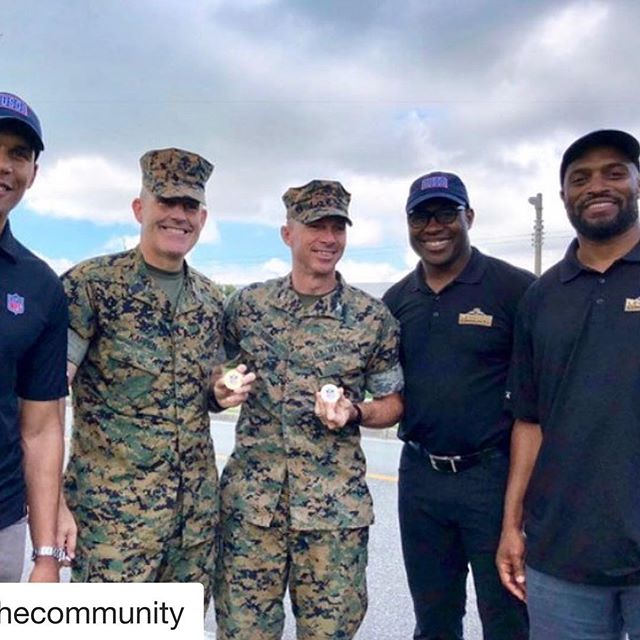 #Repost @nflinthecommunity with @get_repost ・・・ Amani Toomer, Donnie Edwards, and Tony Richardson have arrived in Japan for the first All NFL-Legends USO Tour! 🇺🇸 #SaluteToService