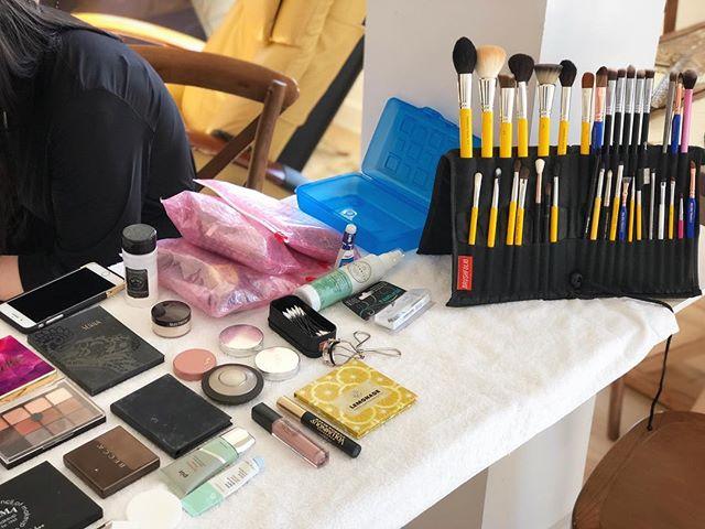 My workstation from this past weekend. @kindred_barn was wedding perfection💜! . . . . #makeup #mua #weddingmakeup #weddingmua #brushfolio #brushfoliolite #lenaslashes #lenalemonade #viseart #glossier #rcma #rcmafoundation #rcmanocolorpowder #sennacosmetics #sennabrows #bdelliumtools #sigmabrushes #honestbeauty #pur #loreal #maybelline