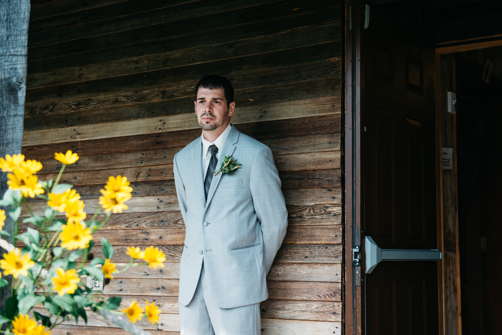 002_saskatoon_saskatchewan_small_town_wedding.jpg