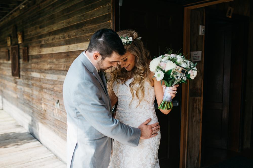 007_saskatoon_saskatchewan_small_town_wedding.jpg