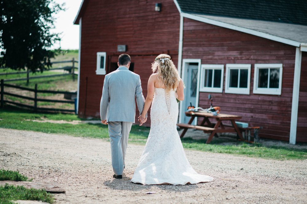 009_saskatoon_saskatchewan_small_town_wedding.jpg