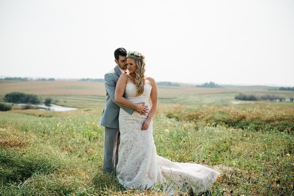014_saskatoon_saskatchewan_small_town_wedding.jpg