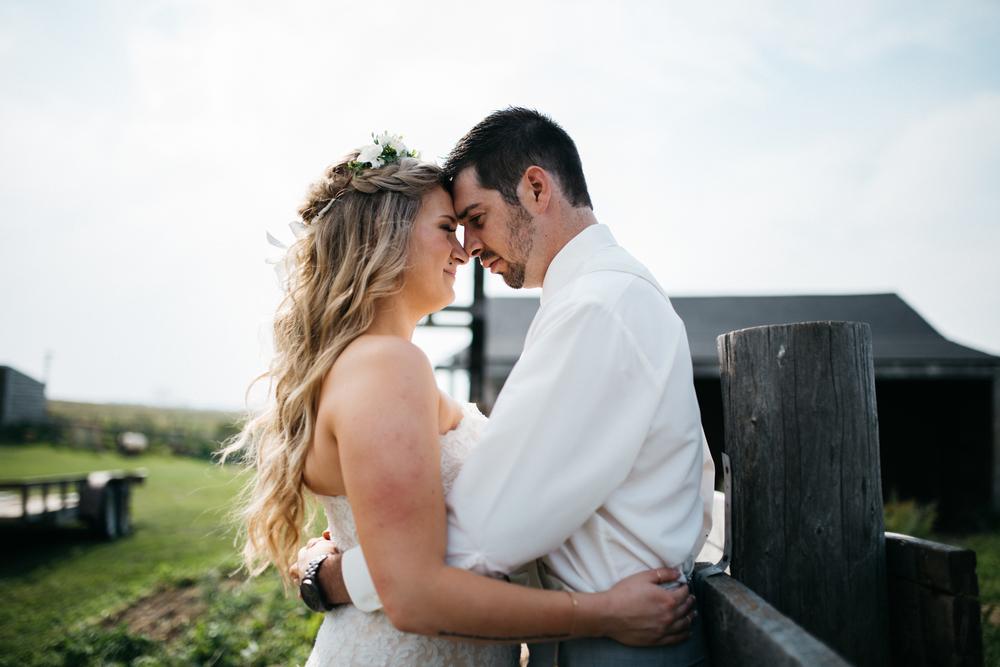 028_saskatoon_saskatchewan_small_town_wedding.jpg