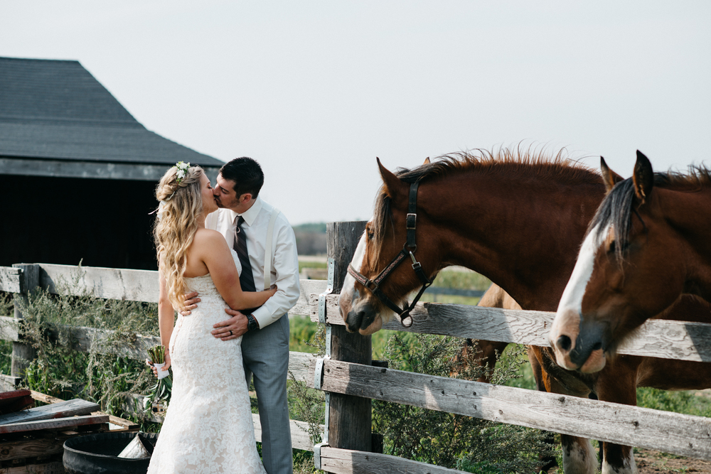 029_saskatoon_saskatchewan_small_town_wedding.jpg