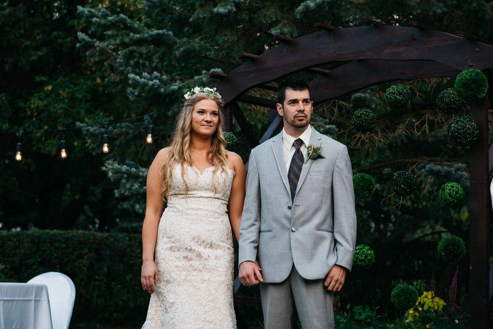 053_saskatoon_saskatchewan_small_town_wedding.jpg