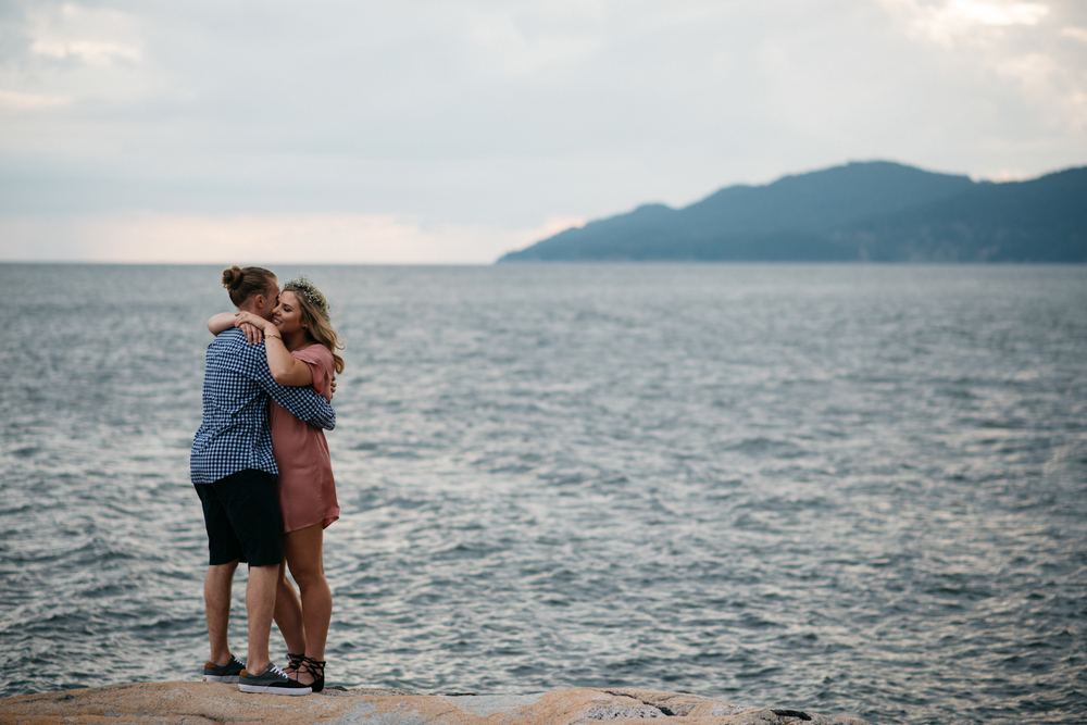 038_Lighthouse_Park_Engagement_Vancouver.jpg
