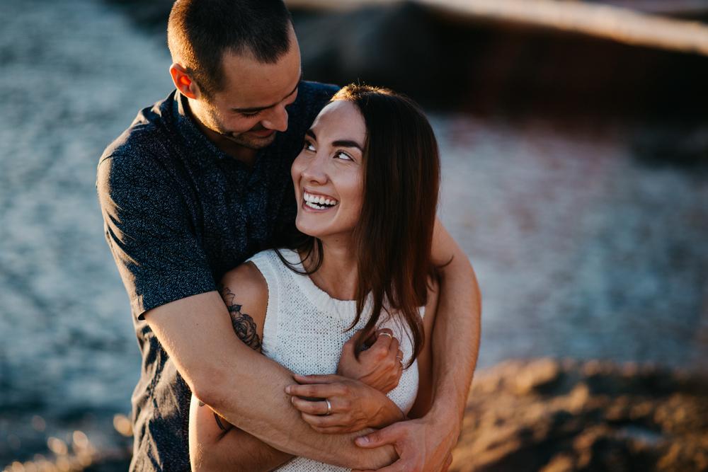 018_DallasRoad_Victoria_Engagement.jpg
