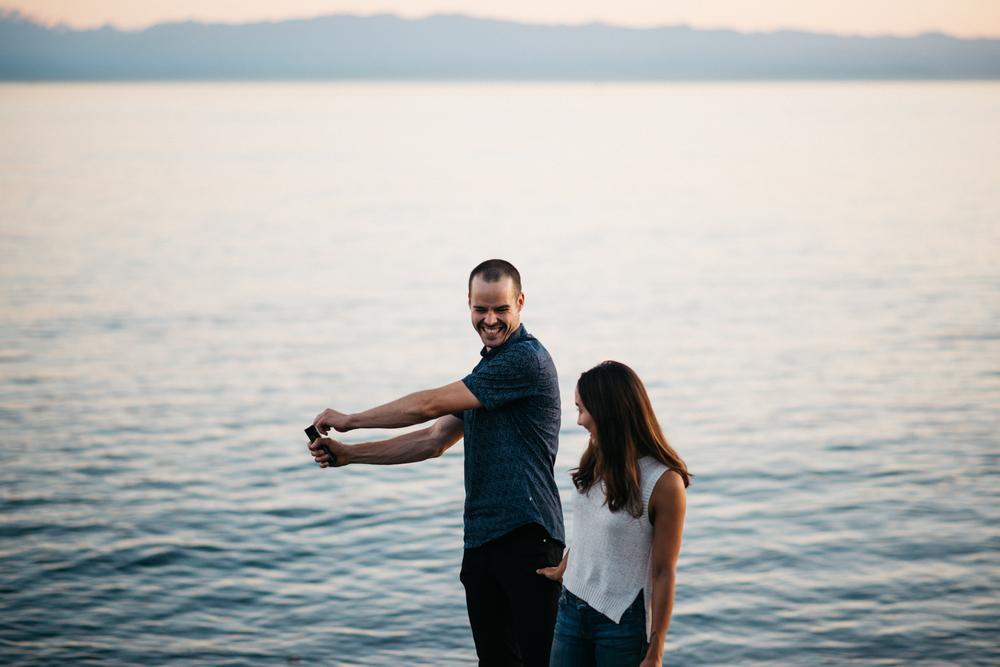 038_DallasRoad_Victoria_Engagement.jpg