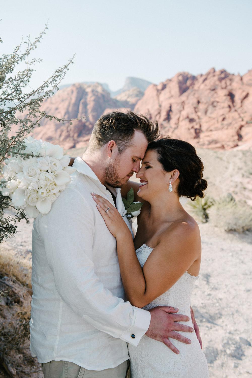031_Redrock_canyon_vegas_wedding_photographer.jpg