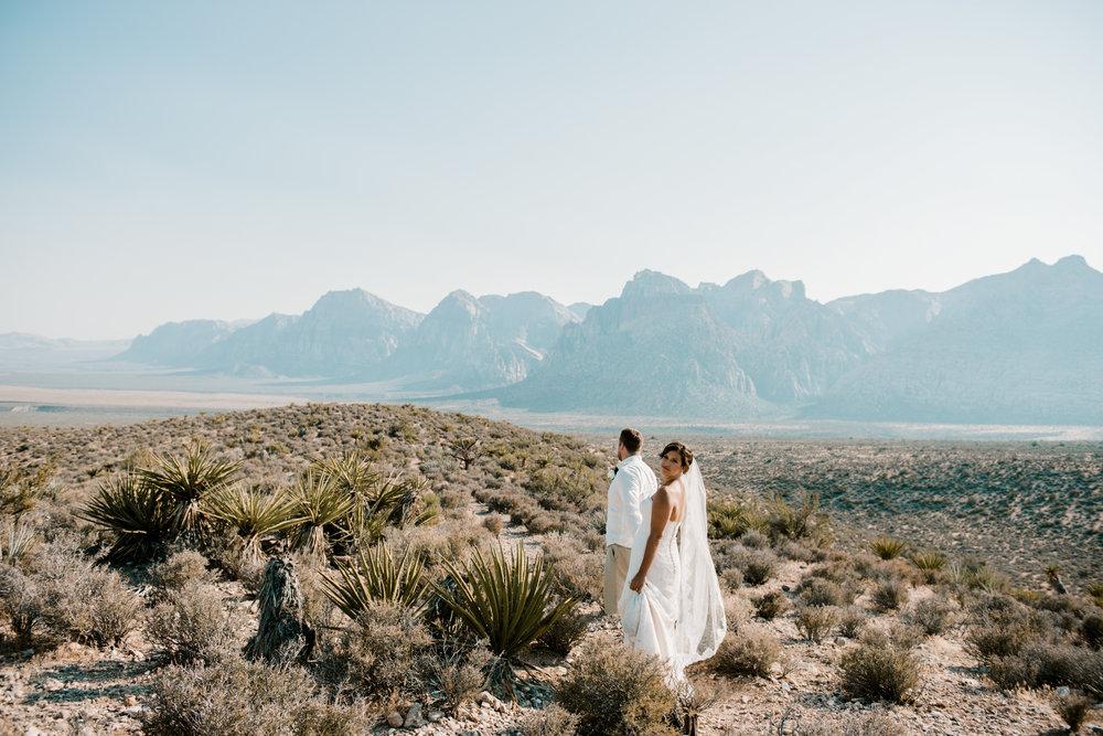 034_Redrock_canyon_vegas_wedding_photographer.jpg