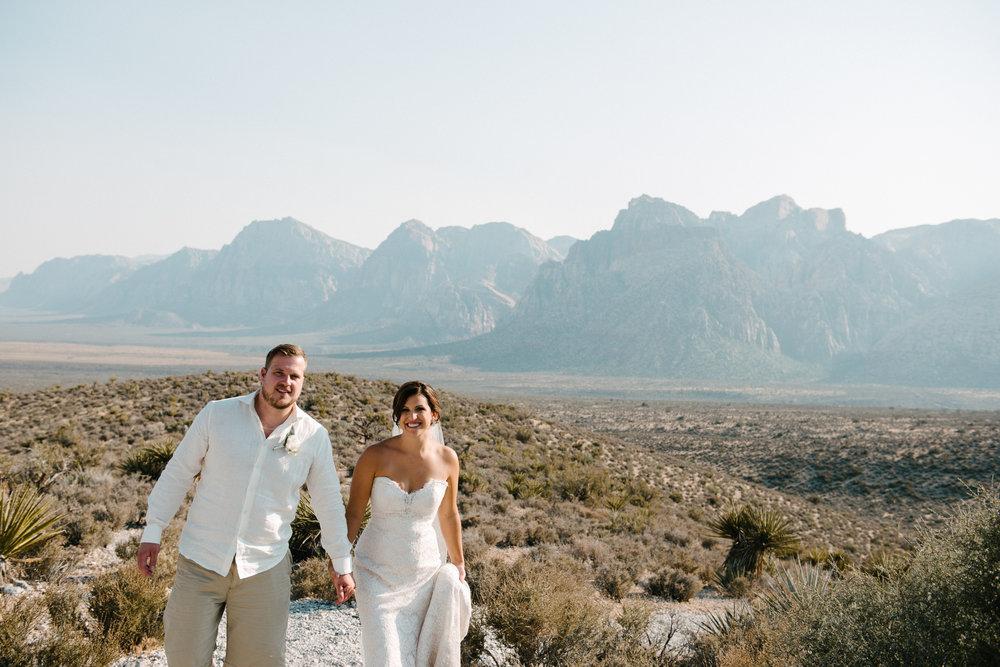 044_Redrock_canyon_vegas_wedding_photographer.jpg