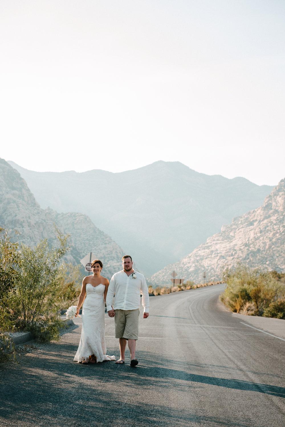 046_Redrock_canyon_vegas_wedding_photographer.jpg
