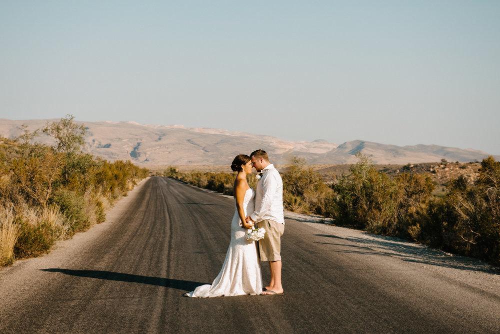 047_Redrock_canyon_vegas_wedding_photographer.jpg