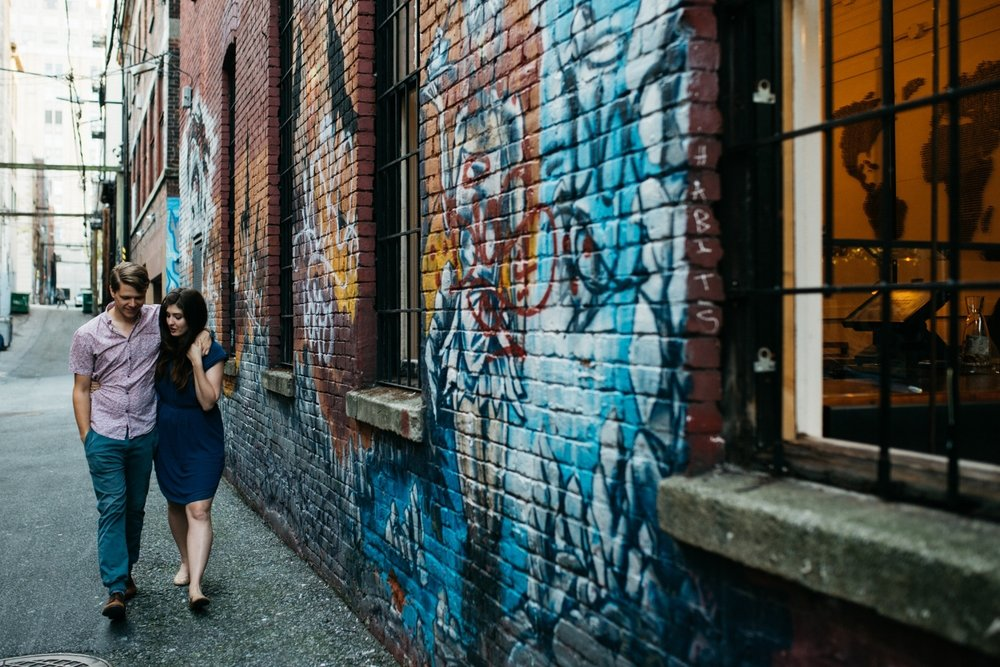 SCP_020_Revolver_coffee_downtown_vancouver_intimate_engagement_session.jpg