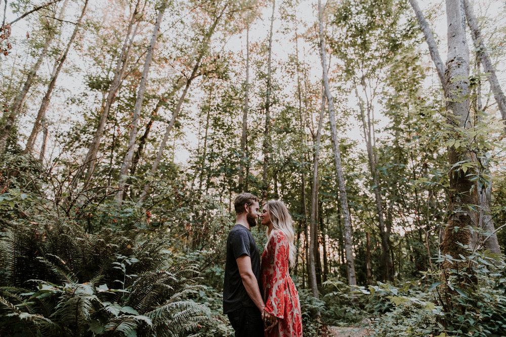 028_StacieCarrPhotography_vancouver-elopement-photographer-adventurous-engagement-smoke-bomb-beach.jpg