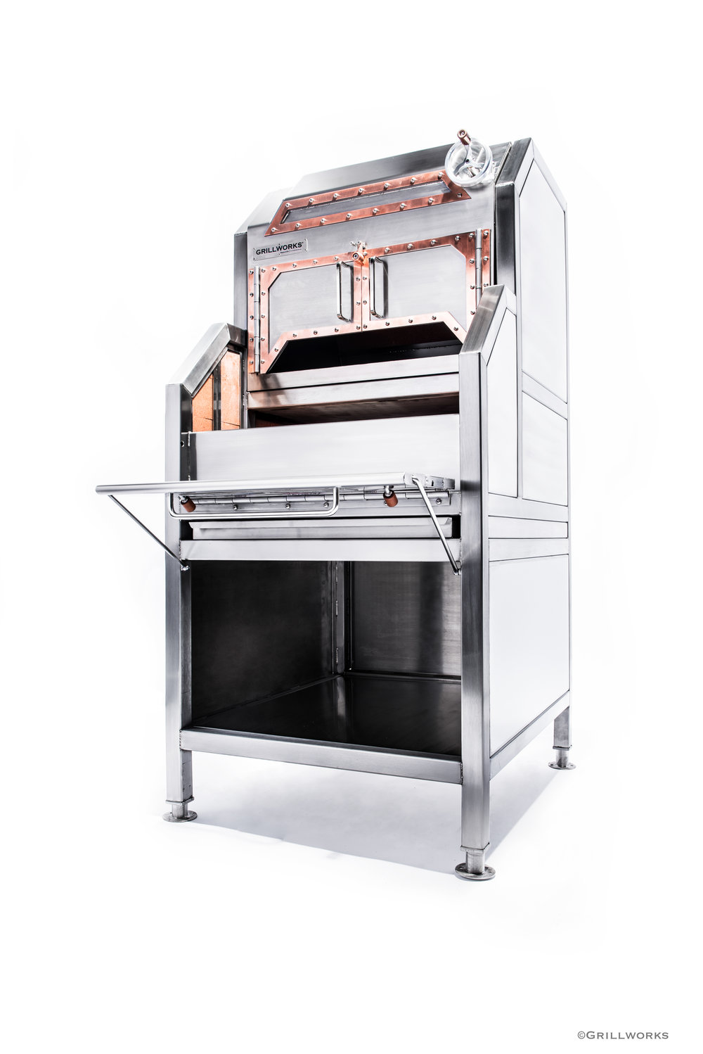 The Grillworks Blanco Oven, shown in freestanding configuration