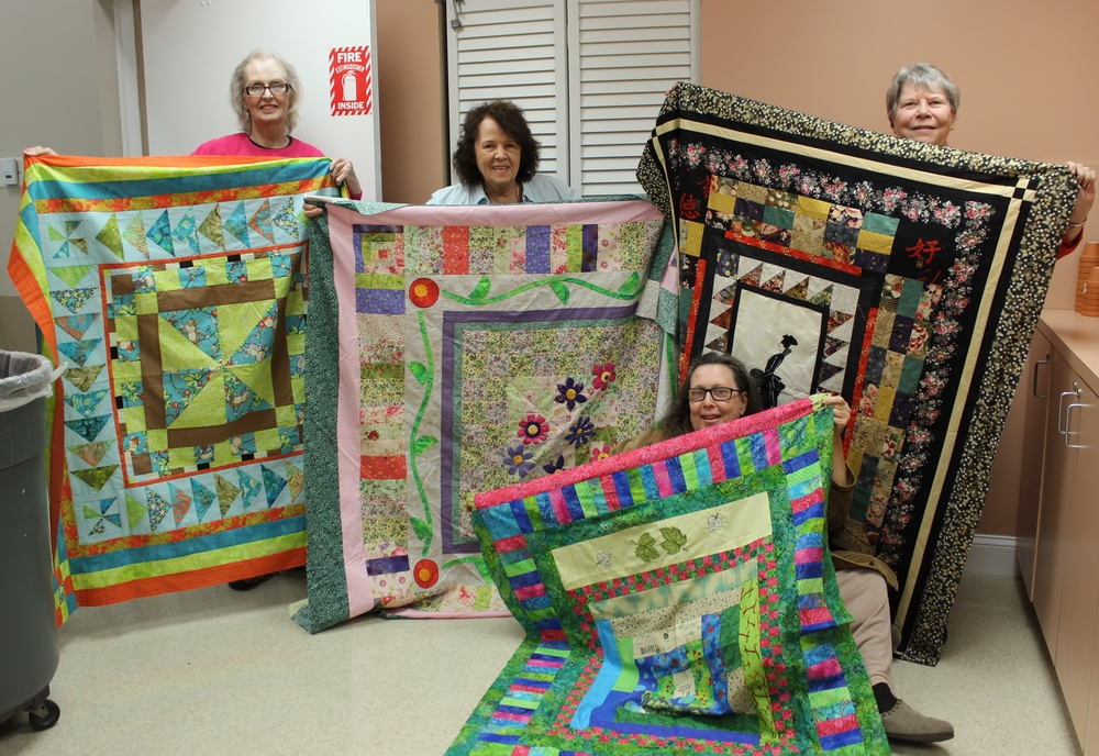 Sunday Belles, Round Robin Quilts.jpg